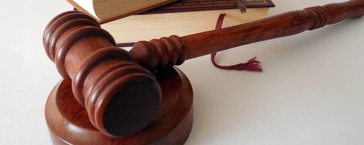 Адвокати по застрахователно право